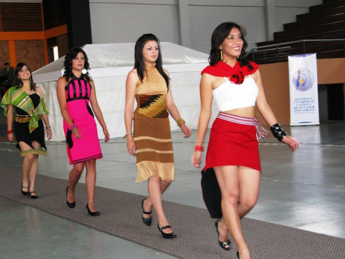 Bueno, es posible que la ropa extranjera que compras, haya sido hecha en México.